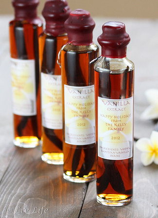 DIY Homemade Vanilla Extract in 4 ounce bottle with labels
