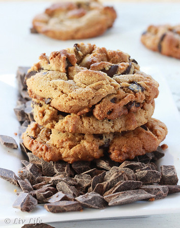 Peamut Butter Cookies with Chocolate Chunks... gluten and dairy free